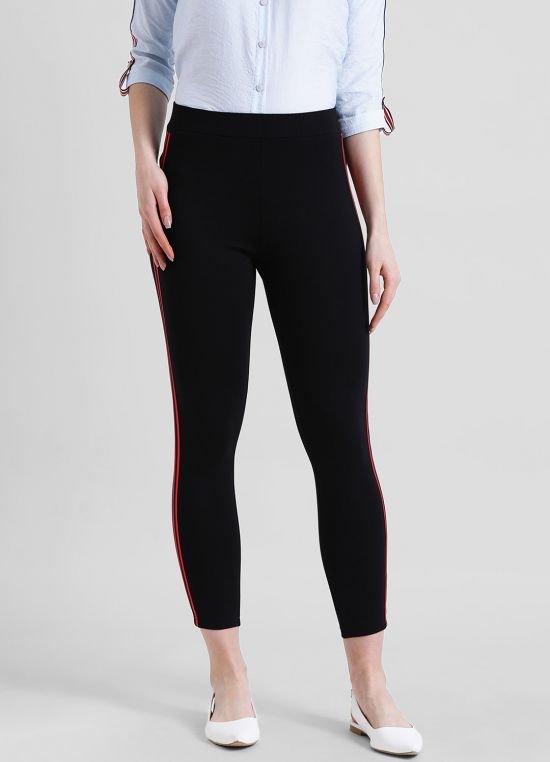 Black Solid Cigarette Trousers for Women
